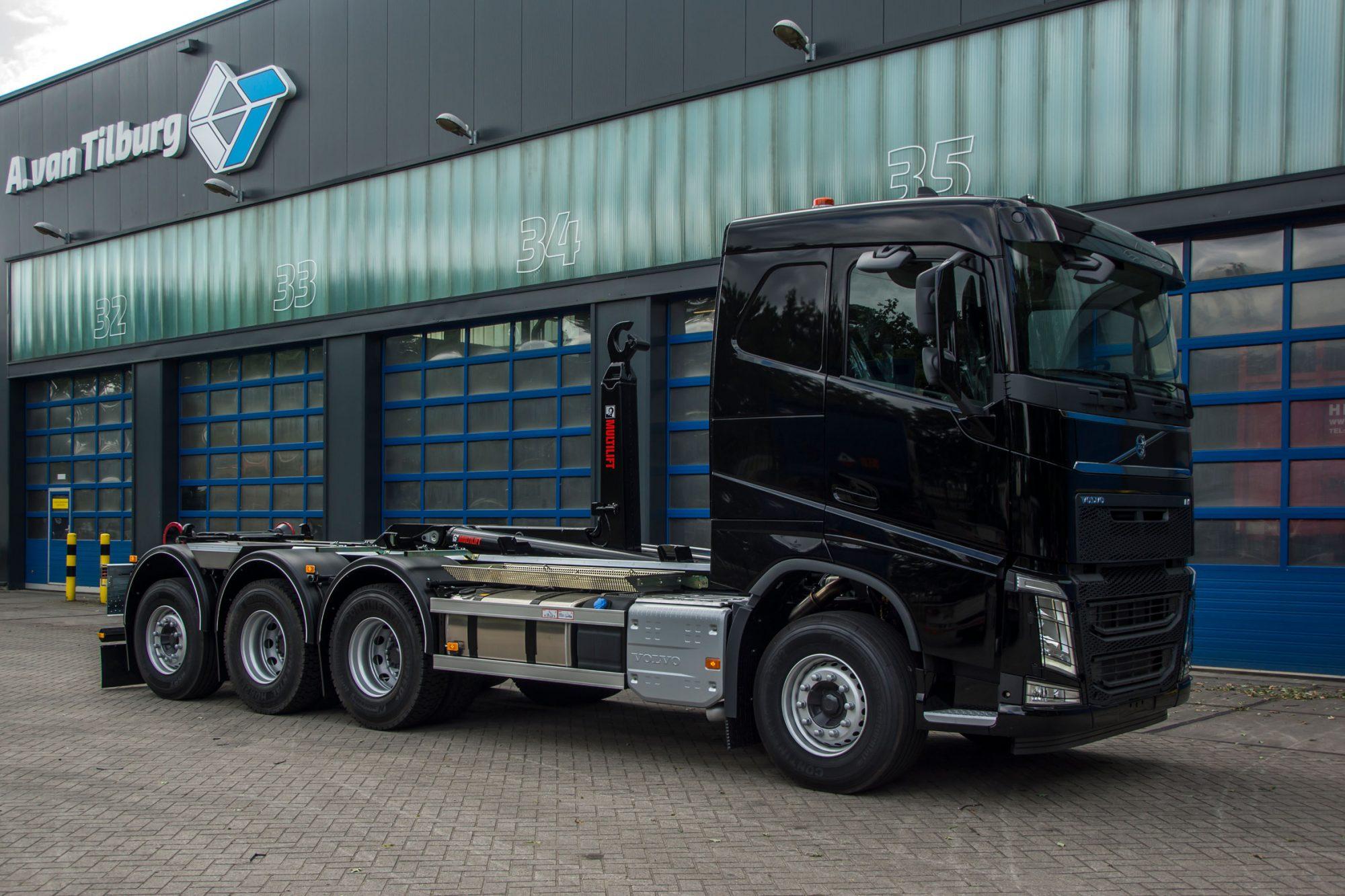 Volvo FH met Hiab Multilift Haakarm