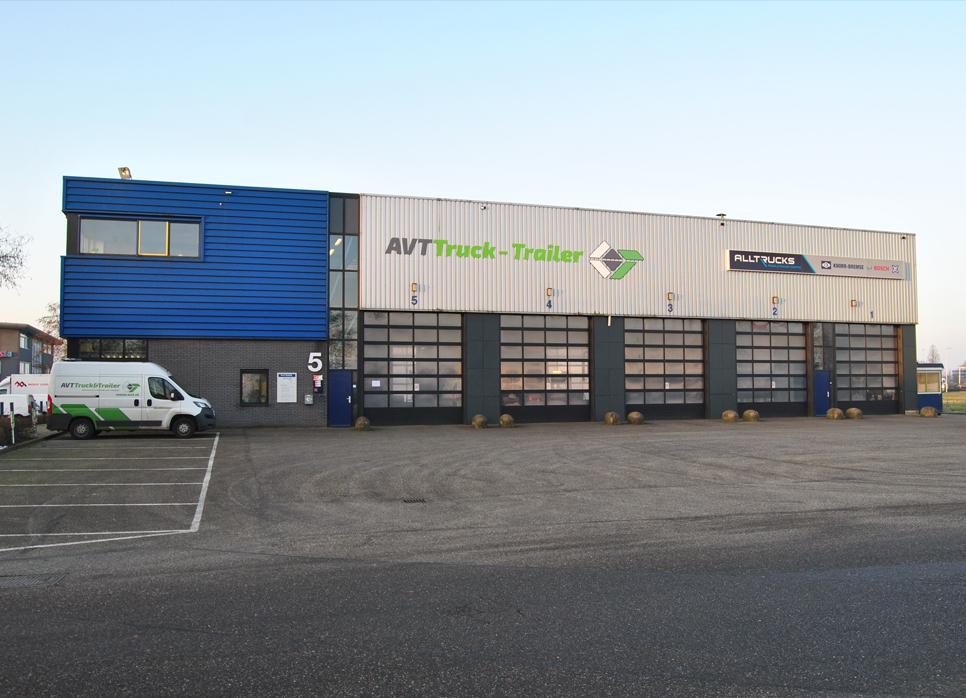 Pand AVT truck en trailer Waddinxveen